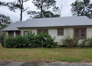 Foreclosed Home in Silsbee 77656 SMITH LN - Property ID: 4464253334