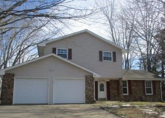 Foreclosed Home in Macomb 61455 DOE RUN - Property ID: 4464260344