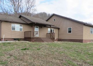 Foreclosed Home in New Canton 62356 STATE HIGHWAY 96 - Property ID: 4464269545