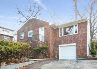 Foreclosed Home in Ridgefield 07657 RAVENHILL PL - Property ID: 4464353189