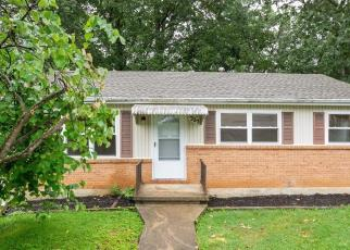 Foreclosed Home in Staunton 24401 MONUMENT DR - Property ID: 4464410571