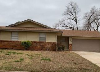 Foreclosed Home in Oklahoma City 73110 N PEEBLY DR - Property ID: 4464613348