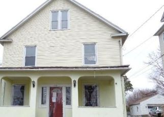 Foreclosed Home in New Britain 06053 SMITH ST - Property ID: 4464634373