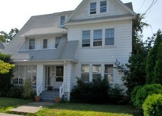 Foreclosed Home in Bridgeport 06604 CHALMERS AVE - Property ID: 4464648836