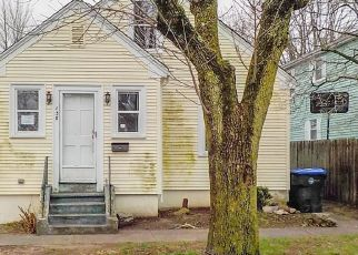 Foreclosed Home in Providence 02909 MOOREFIELD ST - Property ID: 4464660660