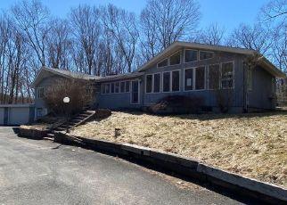 Foreclosed Home in Bolton 06043 BOSTON TPKE - Property ID: 4464739939