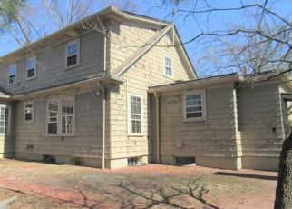 Foreclosed Home in Cranston 02910 PONTIAC AVE - Property ID: 4464751312