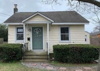 Foreclosed Home in Lindenhurst 11757 E HOFFMAN AVE - Property ID: 4464753956