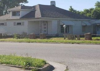 Foreclosed Home in Terre Haute 47804 8TH AVE - Property ID: 4464802112