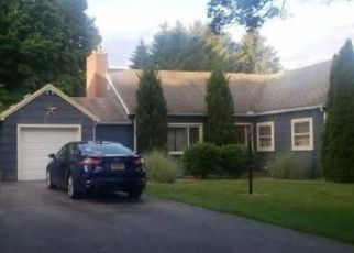 Foreclosed Home in Rochester 14617 BARONS RD - Property ID: 4464926952