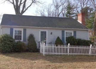 Foreclosed Home in East Longmeadow 01028 CRESCENT HL - Property ID: 4464956285