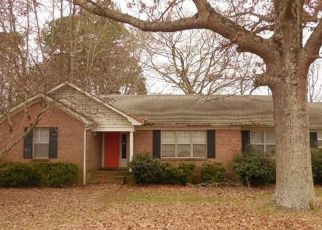 Foreclosed Home in Bolivar 38008 N JONES ST - Property ID: 4465139359