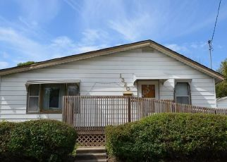 Foreclosed Home in Des Moines 50316 E 18TH ST - Property ID: 4465261105