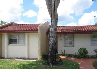 Foreclosed Home in West Palm Beach 33411 LAKE EVELYN DR - Property ID: 4465310610