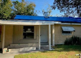 Foreclosed Home in Orlando 32808 DARDANELLE DR - Property ID: 4465364481