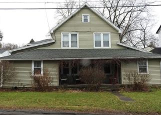 Foreclosed Home in Manlius 13104 GARRETT DR - Property ID: 4465366675