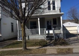 Foreclosed Home in Buffalo 14207 ARTHUR ST - Property ID: 4465435425