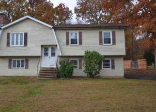 Foreclosed Home in Waterbury 06704 GRASSY HILL RD - Property ID: 4465458196