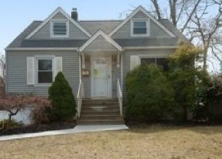 Foreclosed Home in Pequannock 07440 MADISON ST - Property ID: 4465474406