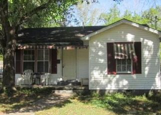 Foreclosed Home in Mobile 36606 MCRAE AVE - Property ID: 4465503757
