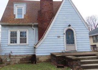 Foreclosed Home in Anderson 46013 COLUMBUS AVE - Property ID: 4465682454