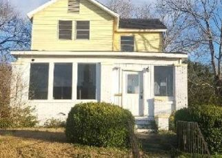 Foreclosed Home in Bessemer 35020 EXETER AVE - Property ID: 4465796768