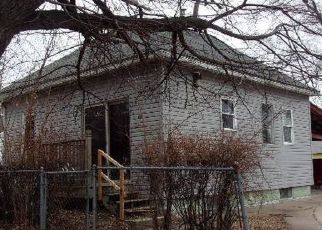 Foreclosed Home in Waterloo 50703 COLUMBIA ST - Property ID: 4465804649