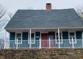Foreclosed Home in Trumbull 06611 MAIN ST - Property ID: 4465947422