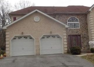 Foreclosed Home in Clifton Heights 19018 BEECHWOOD RD - Property ID: 4465959244