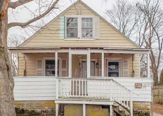 Foreclosed Home in Warwick 02889 HURON ST - Property ID: 4466260577