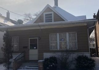 Foreclosed Home in Riverdale 60827 W 137TH PL - Property ID: 4466300427