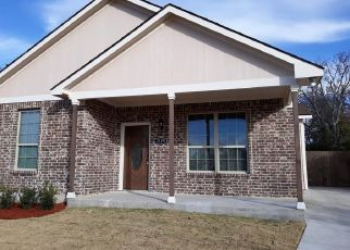 Foreclosed Home in Fort Worth 76105 DANNER ST - Property ID: 4466438837