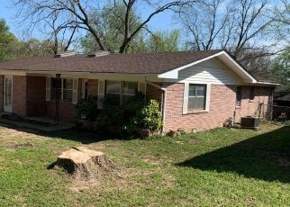Foreclosed Home in Denison 75020 W MAIN ST - Property ID: 4466607896