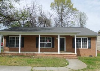 Foreclosed Home in Greensboro 27401 AVALON RD - Property ID: 4466684982