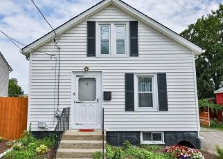 Foreclosed Home in Pawtucket 02860 BENSLEY ST - Property ID: 4466750670
