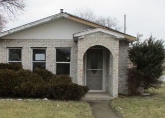 Foreclosed Home in Robbins 60472 S KILDARE AVE - Property ID: 4466799277