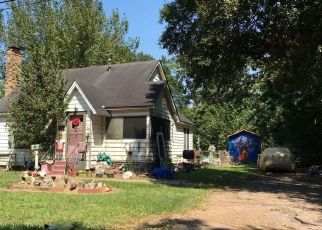 Foreclosed Home in Rosenberg 77471 BROOKS AVE - Property ID: 4466924542