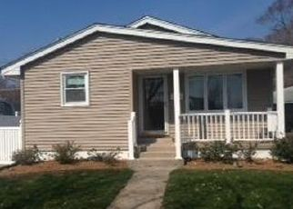 Foreclosed Home in Lansing 60438 CHICAGO AVE - Property ID: 4467026144