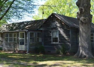Foreclosed Home in Apex 27523 E STONE RD - Property ID: 4467092730