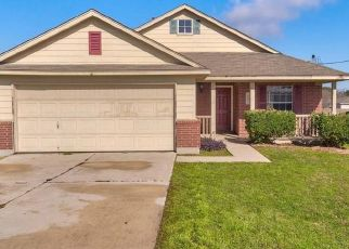 Foreclosed Home in Kyle 78640 JIM MILLER DR - Property ID: 4467154479