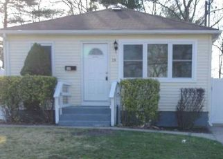 Foreclosed Home in Brentwood 11717 MADISON AVE - Property ID: 4467485587