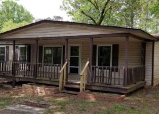 Foreclosed Home in Acworth 30102 GLADE RD SE - Property ID: 4467514495