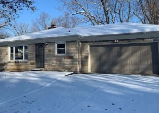 Foreclosed Home in Indianapolis 46218 N BANCROFT ST - Property ID: 4467541651