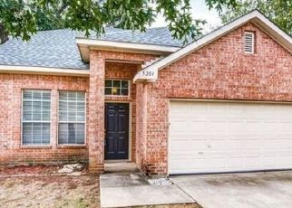 Foreclosed Home in Denton 76208 PAULIE DR - Property ID: 4467615220