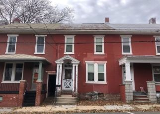 Foreclosed Home in Womelsdorf 19567 S 2ND ST - Property ID: 4467699766
