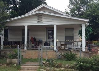 Foreclosed Home in Austin 78702 SANTA MARIA ST - Property ID: 4467806177