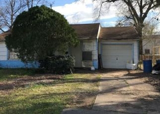 Foreclosed Home in Pasadena 77503 DARLING AVE - Property ID: 4467812763