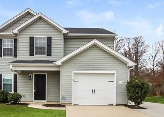 Foreclosed Home in Greensboro 27407 MARIBEAU WOODS DR - Property ID: 4467874959