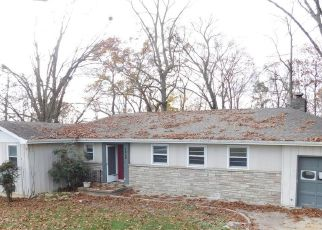 Foreclosed Home in Kingsport 37664 SKYLAND DR - Property ID: 4467935834