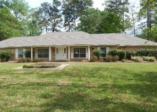 Foreclosed Home in New Caney 77357 ROMAN FOREST BLVD - Property ID: 4467970871